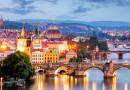 В Праге не будут продавать «неправильные» сувениры: матрешки, шапки-ушанки и другие