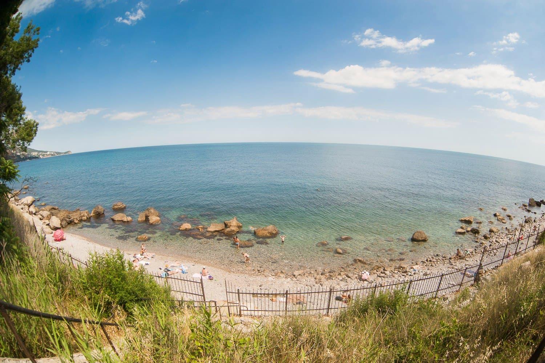 Алупка пляж Дуся