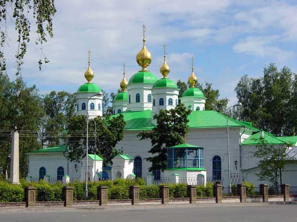 Воскресенский собор в Череповце