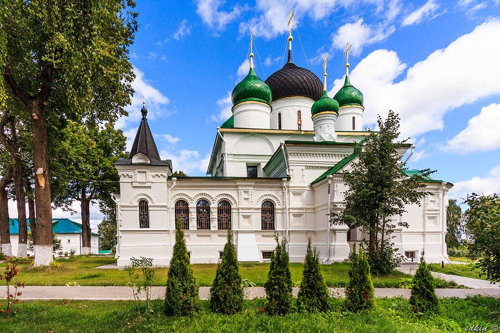 Феодоровский (Федоровский) монастырь в Переславле-Залесском