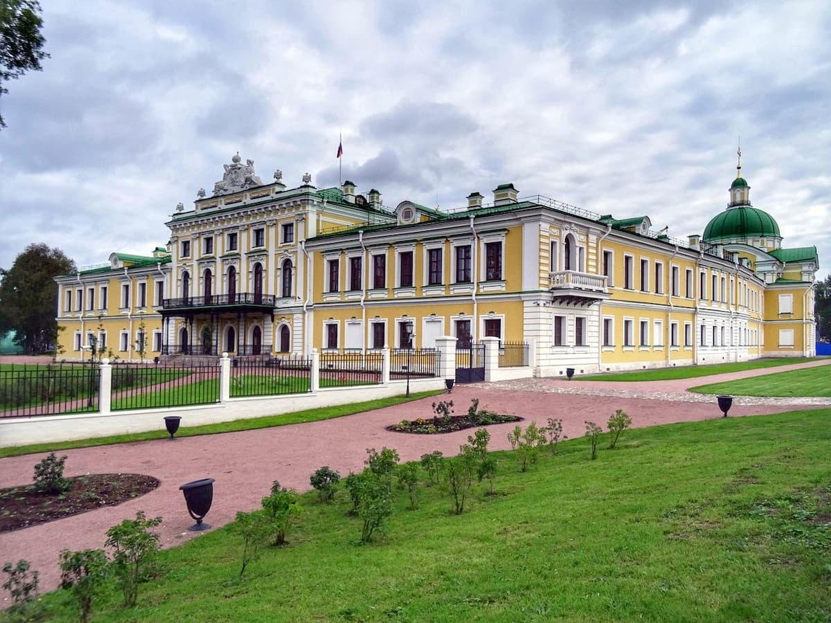 Тверской путевой дворец (Областная картинная галерея)